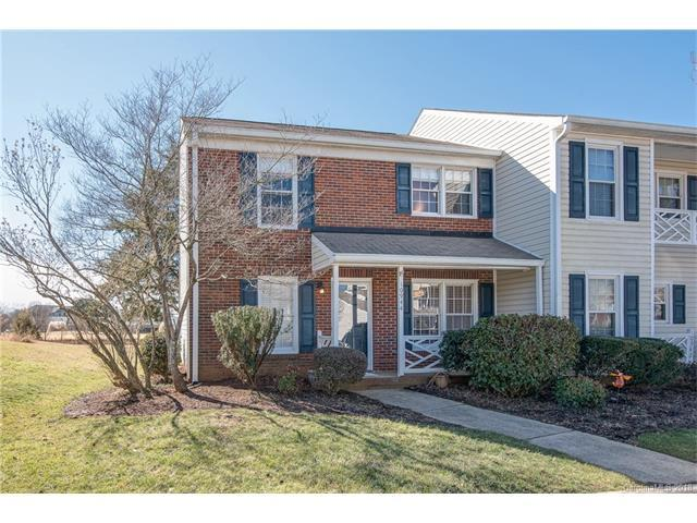 10944 Winterbourne Court, Charlotte, NC 28277 (#3358040) :: The Ramsey Group