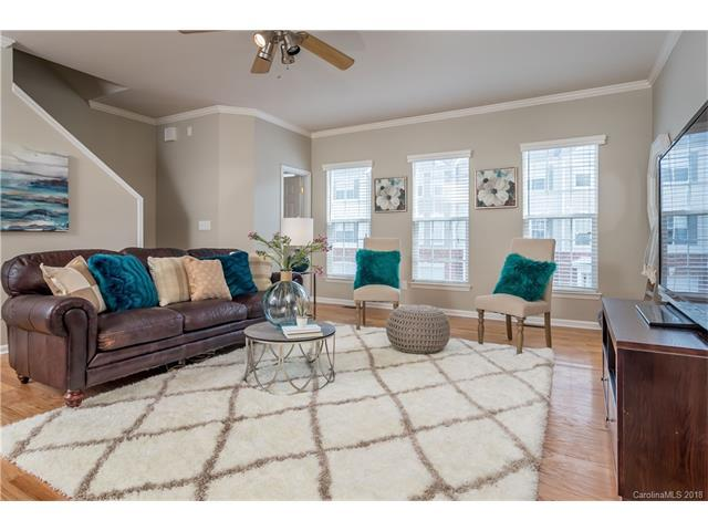 2916 Castleberry Court, Charlotte, NC 28209 (#3358202) :: Exit Mountain Realty