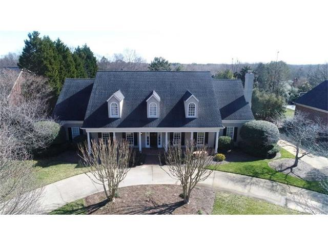 8231 Greencastle Drive, Charlotte, NC 28210 (#3358335) :: Exit Mountain Realty