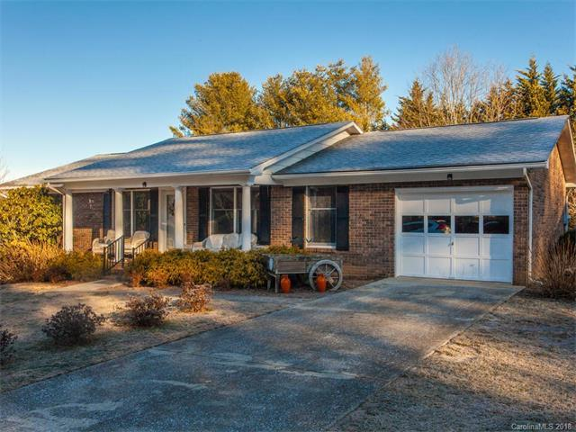 51 Underhill Road, Hendersonville, NC 28792 (#3359103) :: Exit Mountain Realty