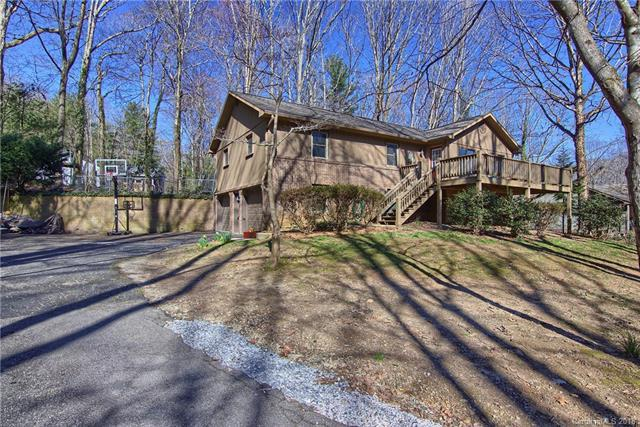 225 Stonebrook Drive, Hendersonville, NC 28791 (#3359218) :: Exit Mountain Realty