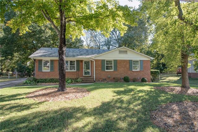7325 Starvalley Drive, Charlotte, NC 28210 (#3360239) :: Exit Mountain Realty