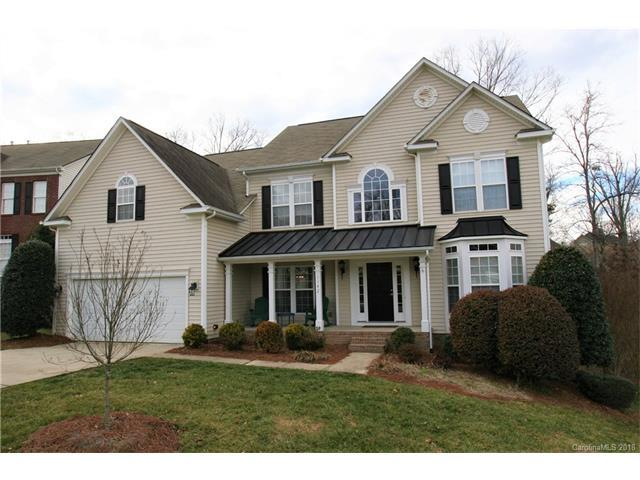 1142 Elrond Drive NW, Charlotte, NC 28269 (#3360377) :: The Ramsey Group