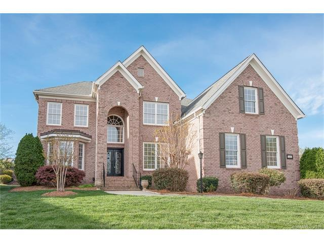 1000 Woodhall Drive, Huntersville, NC 28078 (#3360926) :: The Ramsey Group