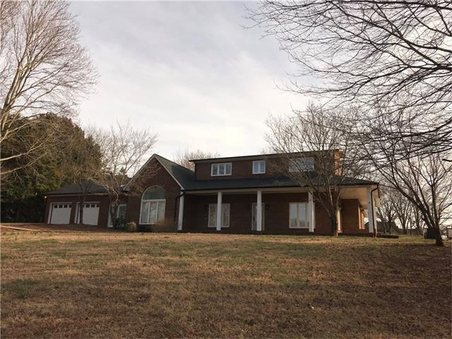 1314 Shirebourn Drive, Hickory, NC 28602 (#3360960) :: Caulder Realty and Land Co.