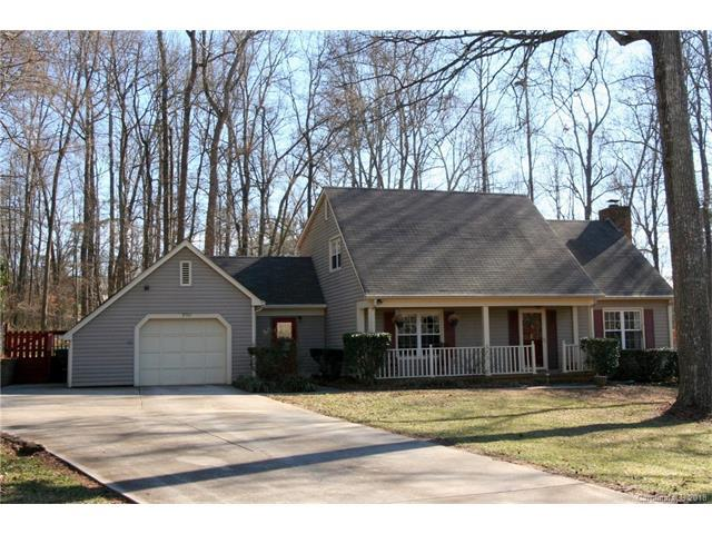 8305 Stallion Court, Charlotte, NC 28215 (#3360992) :: Stephen Cooley Real Estate Group