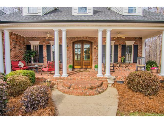 6695 Fox Ridge Circle, Davidson, NC 28036 (#3361272) :: The Sarver Group