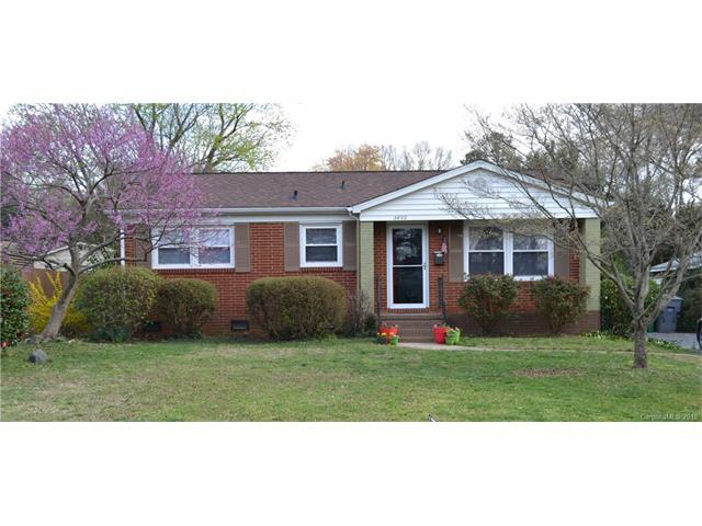 2822 Albany Lane, Charlotte, NC 28205 (#3361527) :: Exit Mountain Realty