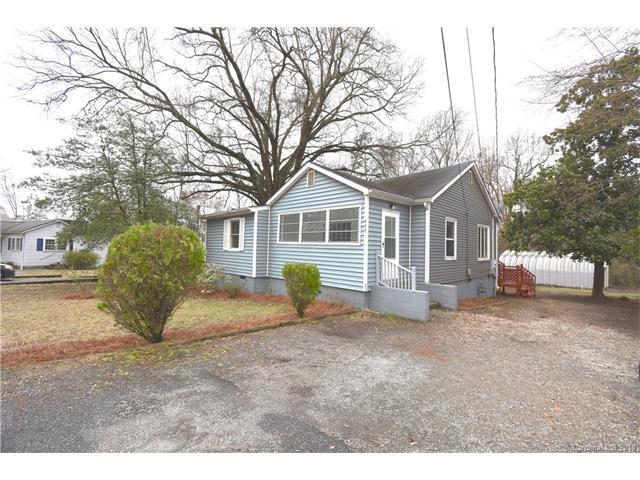 607 Oak Street, Charlotte, NC 28214 (#3361637) :: Exit Realty Vistas