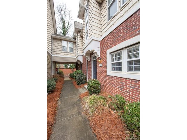 3043 Uxbridge Woods Court, Charlotte, NC 28205 (#3361660) :: Team Lodestone at Keller Williams SouthPark