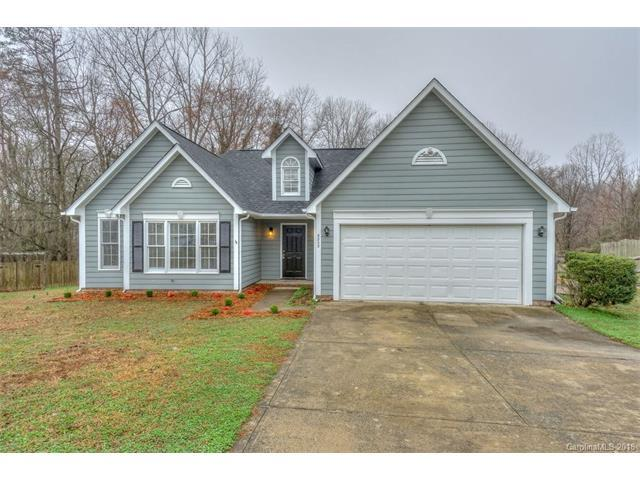 8805 Willow Crest Drive, Charlotte, NC 28214 (#3362738) :: Besecker Homes Team