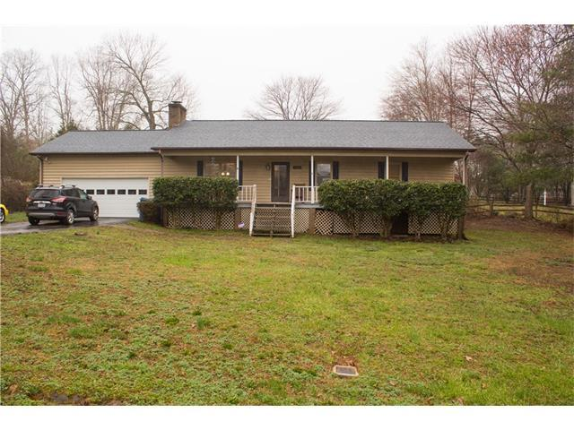 1425 32nd St Court, Conover, NC 28613 (#3362921) :: The Ramsey Group