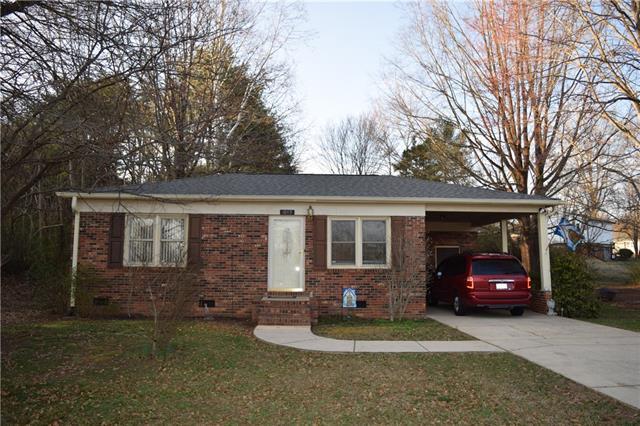 1065 Village Circle, Hickory, NC 28602 (#3363334) :: High Performance Real Estate Advisors