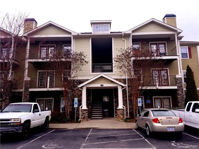 700 Vista Lake Drive #202, Candler, NC 28715 (#3363644) :: Caulder Realty and Land Co.