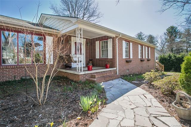 776 Price Road, Hendersonville, NC 28739 (#3364505) :: Exit Mountain Realty