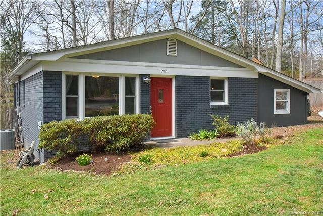 207 S Oconeechee Avenue, Black Mountain, NC 28711 (#3364897) :: Puffer Properties