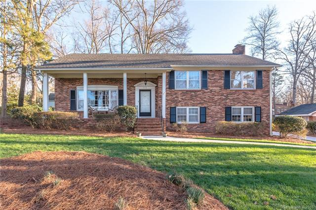 7009 Foxworth Drive, Charlotte, NC 28226 (#3365143) :: Exit Realty Vistas