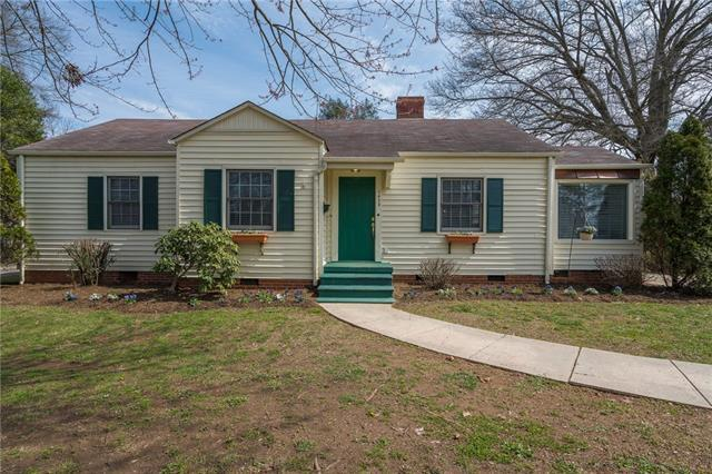 1428 12th Street Drive NW, Hickory, NC 28601 (#3365855) :: Exit Mountain Realty