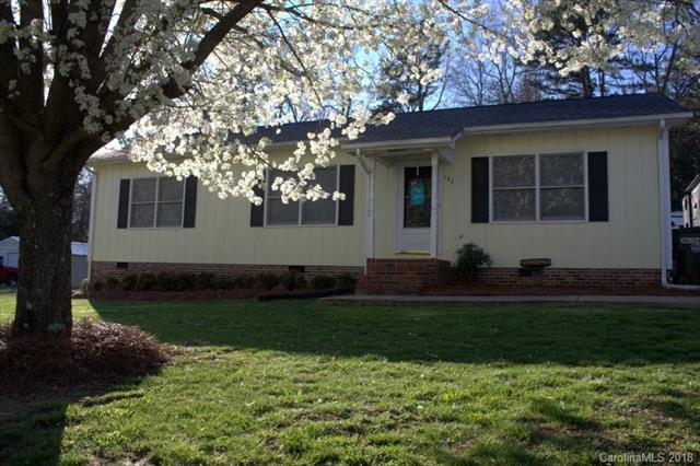 142 Mountain Meadows Drive, Bessemer City, NC 28016 (#3366320) :: LePage Johnson Realty Group, LLC