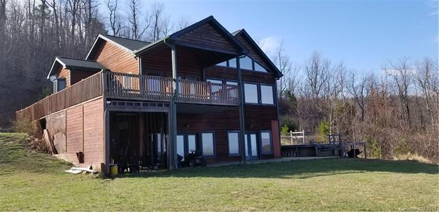 696 Scarlets Mountain Road, Flat Rock, NC 28731 (#3366897) :: Caulder Realty and Land Co.
