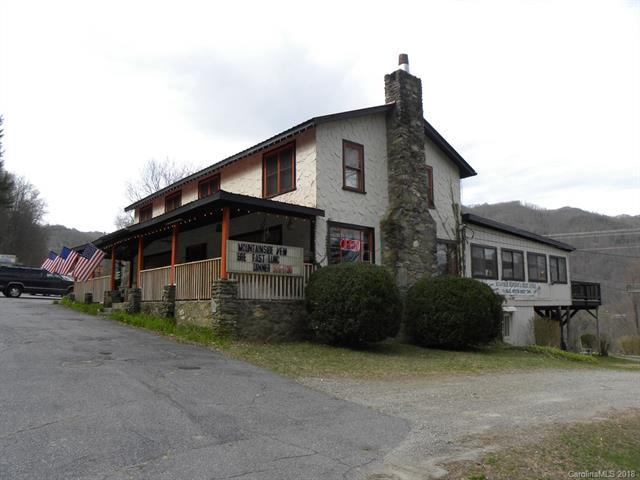 6490 Soco Road, Maggie Valley, NC 28751 (#3366979) :: Homes Charlotte