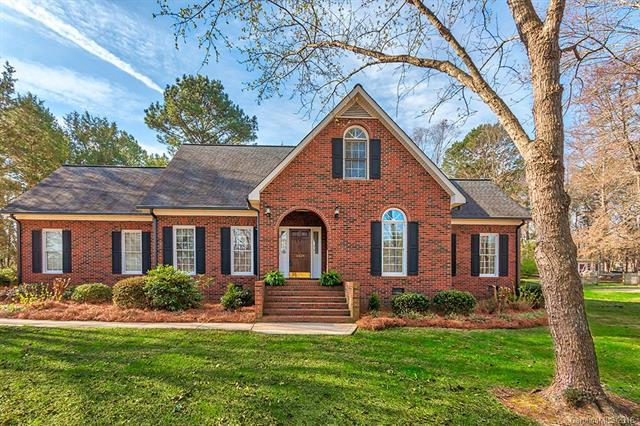 10624 Woodhollow Road, Mint Hill, NC 28227 (#3367080) :: Exit Mountain Realty