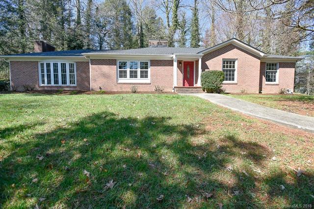 310 Crystal Springs Drive 3/Block D, Hendersonville, NC 28739 (#3368343) :: Puffer Properties