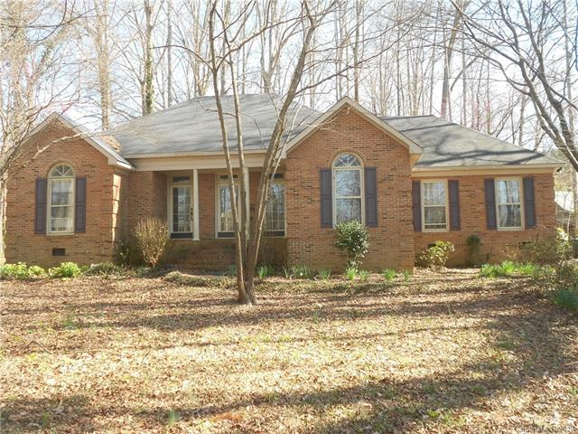 2725 Meadow Lane, Matthews, NC 28105 (#3368392) :: Stephen Cooley Real Estate Group