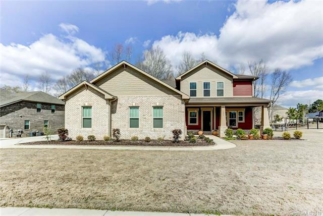 1006 Manorwyck Farms Drive, Waxhaw, NC 28173 (#3368598) :: The Ann Rudd Group