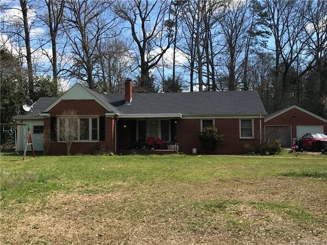 7900 Reames Road, Charlotte, NC 28216 (#3368727) :: Cloninger Properties