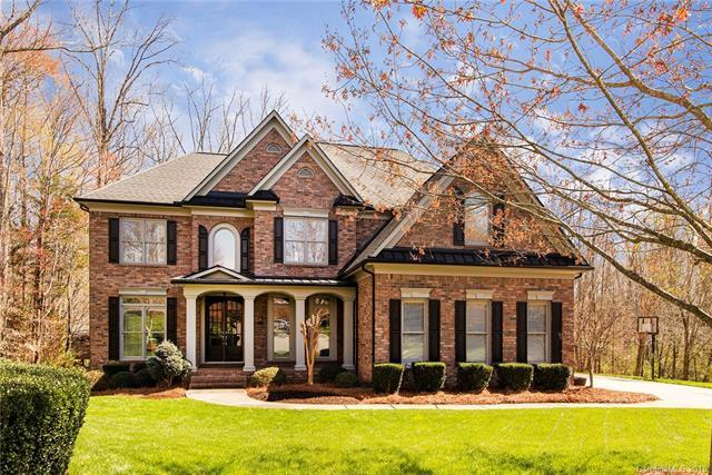 2104 Lytton Lane, Matthews, NC 28104 (#3368783) :: The Sarver Group