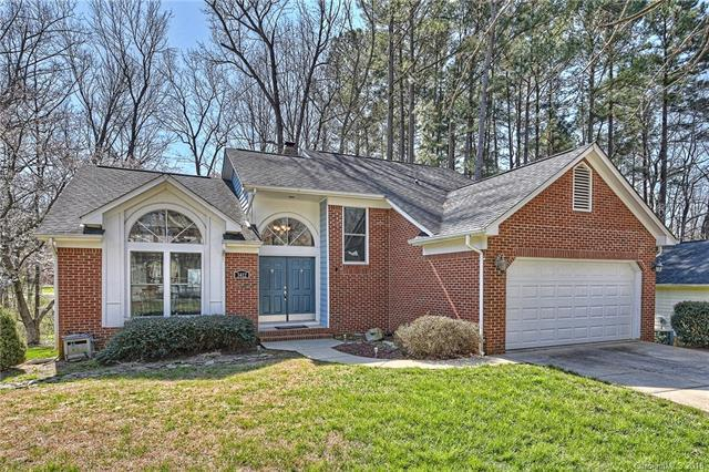 3412 Armitage Drive, Charlotte, NC 28269 (#3369149) :: The Ramsey Group