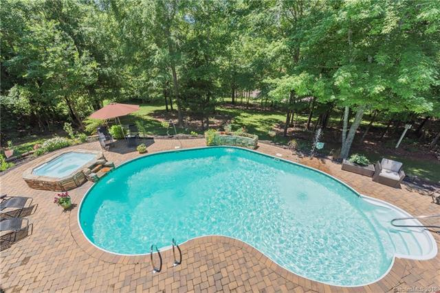 2007 Sandy Pond Lane, Waxhaw, NC 28173 (#3369578) :: RE/MAX Metrolina
