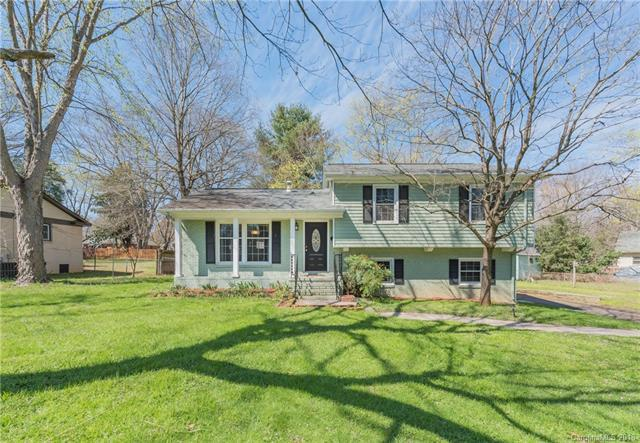 6910 Wrentree Drive, Charlotte, NC 28210 (#3369689) :: Exit Mountain Realty