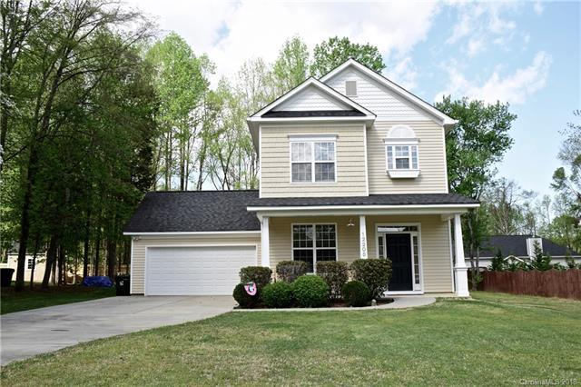 12205 Folkston Drive, Huntersville, NC 28078 (#3369832) :: LePage Johnson Realty Group, LLC