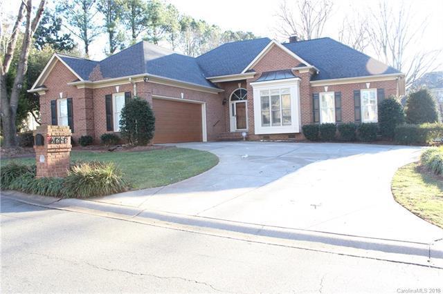 7626 Vistaview Drive, Cornelius, NC 28031 (#3369968) :: Cloninger Properties