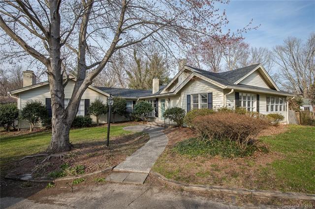 513 Higate Road, Hendersonville, NC 28791 (#3370039) :: LePage Johnson Realty Group, LLC