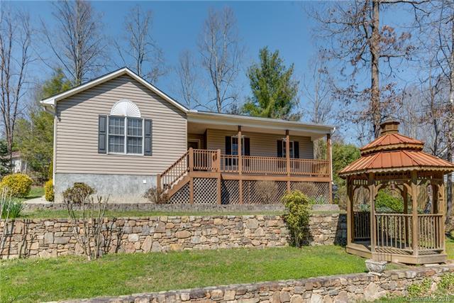 50 Chestnut Lane, Hendersonville, NC 28792 (#3370301) :: Caulder Realty and Land Co.