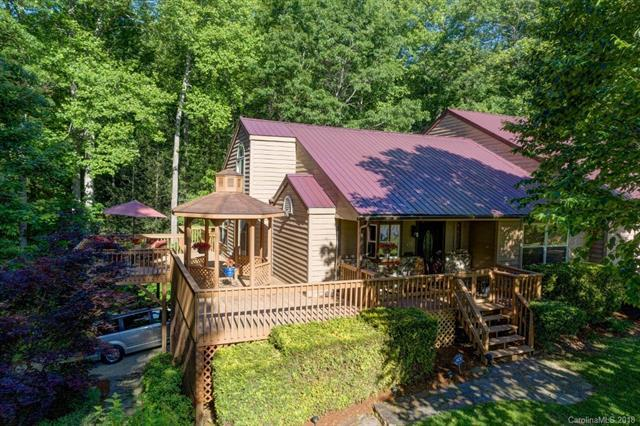671 Country Club Drive, Maggie Valley, NC 28751 (#3370413) :: Puma & Associates Realty Inc.