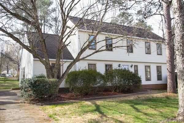 512 Riverwood Road, Charlotte, NC 28270 (#3370577) :: Exit Mountain Realty