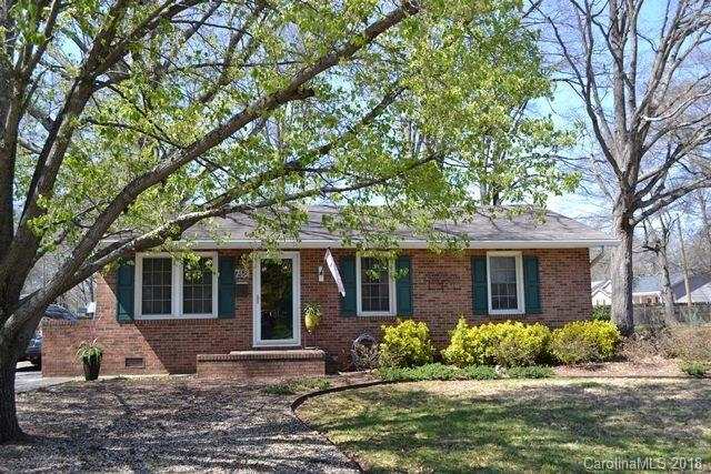 748 S Stonewall Street, Rock Hill, SC 29730 (#3370590) :: Exit Mountain Realty
