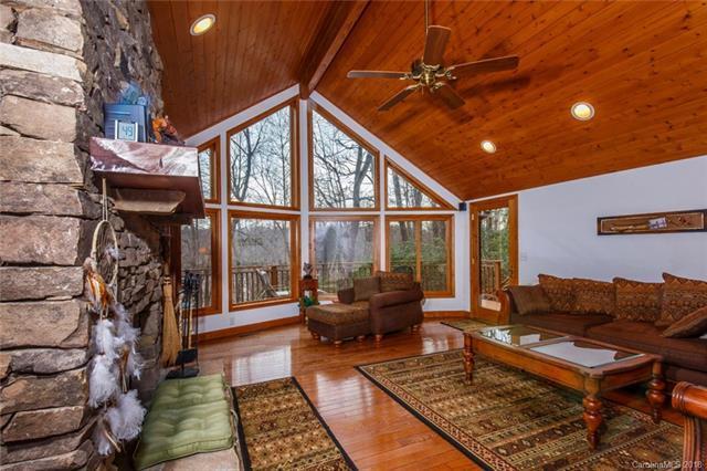 194 S Sequoyah Lane, Brevard, NC 28712 (#3370859) :: Stephen Cooley Real Estate Group