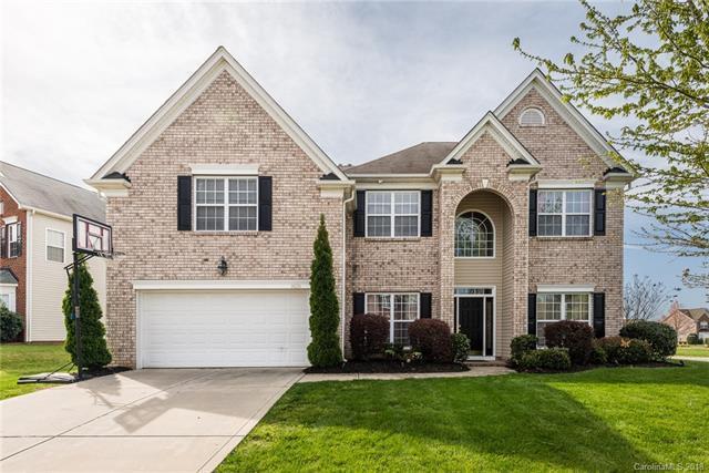 14215 Kendrick Cross Road, Charlotte, NC 28273 (#3371132) :: LePage Johnson Realty Group, LLC