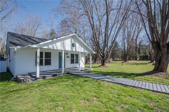 107 Putnam Street, Waynesville, NC 28786 (#3371168) :: Keller Williams Biltmore Village