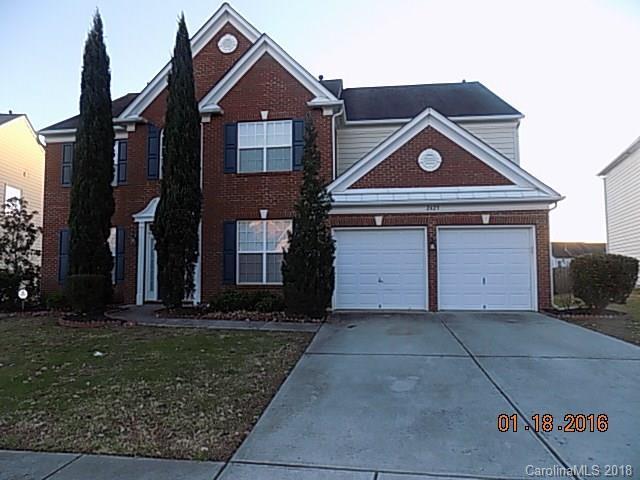2423 Red Birch Drive, Charlotte, NC 28262 (#3371190) :: Rowena Patton's All-Star Powerhouse @ Keller Williams Professionals