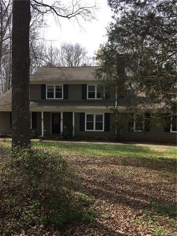 8301 Stallion Court, Charlotte, NC 28215 (#3371478) :: High Performance Real Estate Advisors
