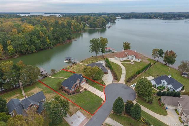 4322 Pointe Norman Drive, Sherrills Ford, NC 28673 (#3371506) :: Stephen Cooley Real Estate Group