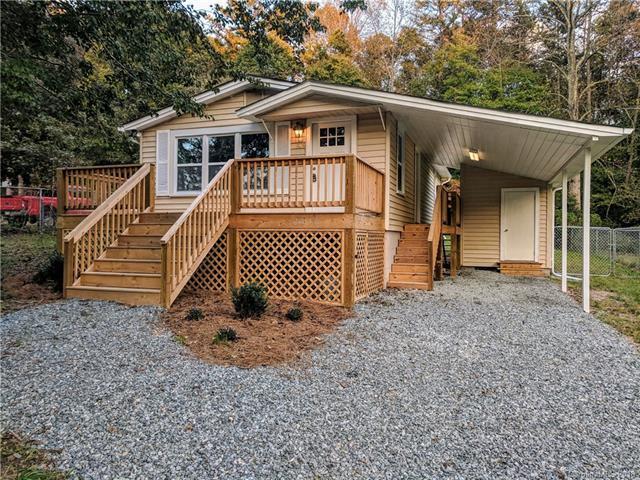 2336 Sunset Boulevard, Charlotte, NC 28269 (#3371783) :: Century 21 First Choice