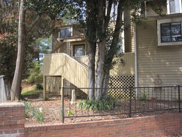 1011 N Center Street, Hickory, NC 28601 (#3371807) :: High Performance Real Estate Advisors