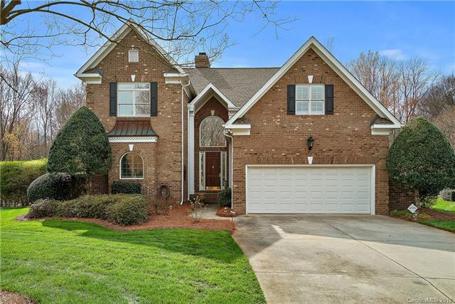 5640 Fairway View Drive, Charlotte, NC 28277 (#3371915) :: Puma & Associates Realty Inc.